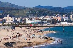 Mediterraan strand in Badalona, Spanje Royalty-vrije Stock Foto's