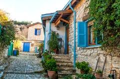 Mediterrane dorpsstraat Stock Afbeelding