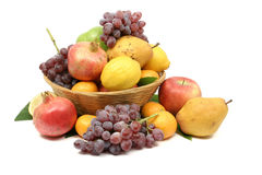 Mediterrane fruitmand Royalty-vrije Stock Afbeelding