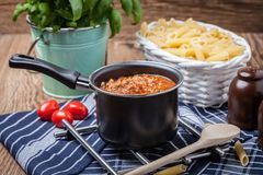 Mediterrane maaltijdvoorbereiding Stock Foto's