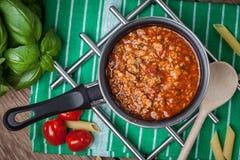 Mediterrane maaltijdvoorbereiding Stock Afbeeldingen