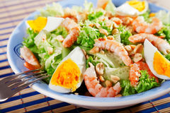 Mediterranean salad with shrimps and eggs Royalty Free Stock Photos