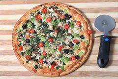 Mediterranean style pizza Royalty Free Stock Photography
