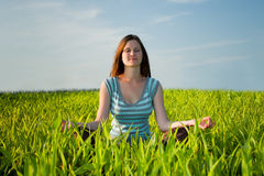 Meditierende Frau Lizenzfreies Stockfoto