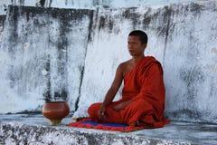 Meditierender Mönch Stockbild