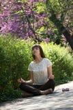 Meditierendes Mädchen Stockfoto