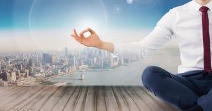 Meditierendes ruhiges Über des Mannes lizenzfreies stockfoto