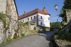 Medival Schloss Ozalj in der Stadt Ozalj, Kroatien stockbild