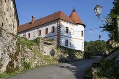 Medival Schloss Ozalj in der Stadt Ozalj, Kroatien lizenzfreie stockfotos