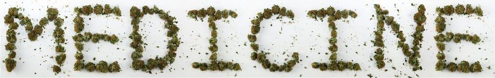 Medizin buchstabiert mit Marihuana Stockfoto