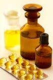 Medizin-Pillen und Mischungen. Lizenzfreies Stockbild