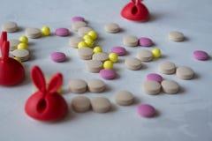 Medizin: Pillen und Vitamine stockbild