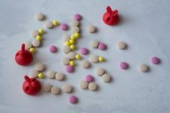 Medizin: Pillen und Vitamine lizenzfreie stockfotos