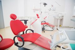 Medizin, Stomatologie, zahnmedizinisches Klinikbüro, medizinische Ausrüstung für Zahnheilkunde lizenzfreie stockfotografie
