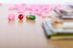 Medizin und Dateien Lizenzfreie Stockbilder