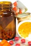 Medizinflaschen mit Pillen stockfotografie