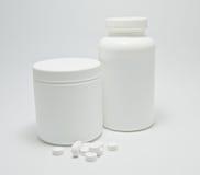 Medizinische Flasche und Pillen Stockfotografie