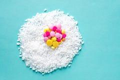 Medizinische Konzept-Ei-Pillen-Vitamin-Allergiekrankheit Lizenzfreies Stockfoto