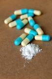 Medizinische Pillen und Bestandteile Lizenzfreie Stockbilder
