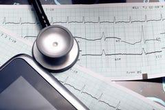 Medizinische Werkzeuge in der Arztpraxis Stockfotografie