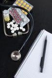 Medizinischer Schreibtisch Stockfotografie