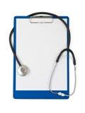 Medizinisches Klemmbrett und Stethoskop lizenzfreies stockbild