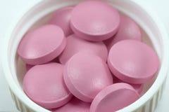 Medizinisches Konzept der Pillennahaufnahmemakrodrogen stockfotos