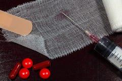 Medizinisches Konzept mit medizinischen Hilfsmitteln - Einspritzung Lizenzfreie Stockfotografie