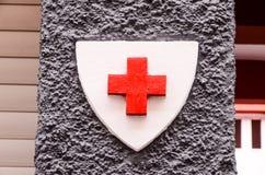 Medizinisches Zeichen des roten Kreuzes Lizenzfreie Stockbilder