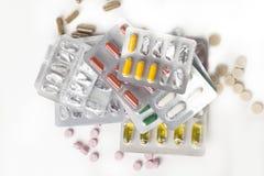 Medizinpillen in den Sätzen Pillen in der Blisterpackung, in den Kapseln und in der Pille verpackten in den Blasen Stockbilder