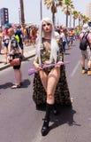 Medlemmar av stolthet ståtar poserar för fotografen Royaltyfria Bilder