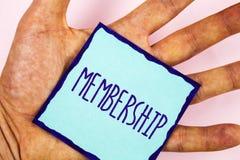 Medlemskap för textteckenvisning Begreppsmässiga foto som är medlemdelen av en grupp eller laget, sammanfogar en organisation arkivfoton