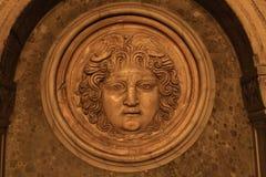 Medusa i cisternaen Jerabatan i Istanbul Arkivfoton