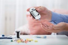 Medycyna, cukrzyce, glycemia, opieka zdrowotna i ludzie pojęć, obraz stock