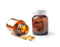 Medycyny butelka odizolowywająca na białym tle brown szkło Fotografia Royalty Free
