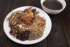 Medycyny herbata z garnkiem zdjęcie stock