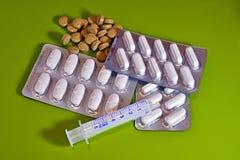 medycyny, pigułki, kapsuły, zdrowie, strzykawka, traktowanie, choroba, remedium, Obrazy Stock