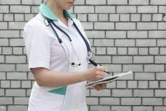 Medycyny pojęcia lekarka Kolekcja informacja obrazy royalty free