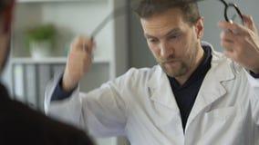 Medyczna konsultacja, doktorski narządzanie słucha bicie serca z stetoskopem zbiory
