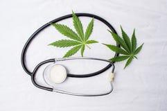 Medyczna marihuana i stetoskop Zdjęcie Royalty Free