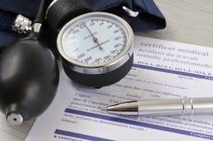 Medyczny świadectwo pisać w Francuskim przestój zdjęcie royalty free