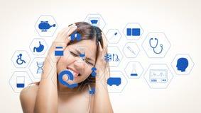 Medyczny interfejs z migrena azjata kobietą ilustracja wektor