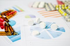 Medyczny marketing i opieki zdrowotnej biznesowa analiza raport fotografia stock