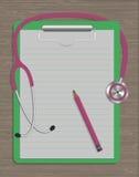 Medyczny stetoskop, nutowy ochraniacz i ołówek na drewnianej teksturze, Zdjęcie Stock