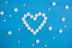 Medyczny t?o z barwi? paczkami pigu?ki oncept apteka, klinika, leki, migreny medycyna Wizerunek na chorobie, grypa, zdjęcie royalty free