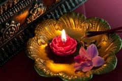 Medytacja z kadzidłem - Akcyjna fotografia zdjęcia stock