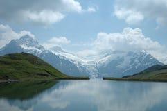 Meer in Alpen Stock Afbeeldingen