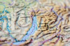 Meer Baikal op kaart stock fotografie