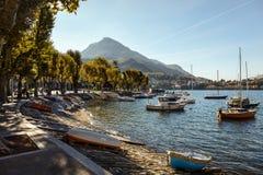 MEER COMO, ITALY/EUROPE - 29 OKTOBER: Boten op Meer Como Lecco stock fotografie