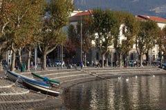 MEER COMO, ITALY/EUROPE - 29 OKTOBER: Lecco bij Meer Como in Ita stock foto